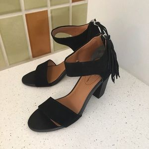 SEYCHELLES Black Suede Hello Lovely Sandals 7